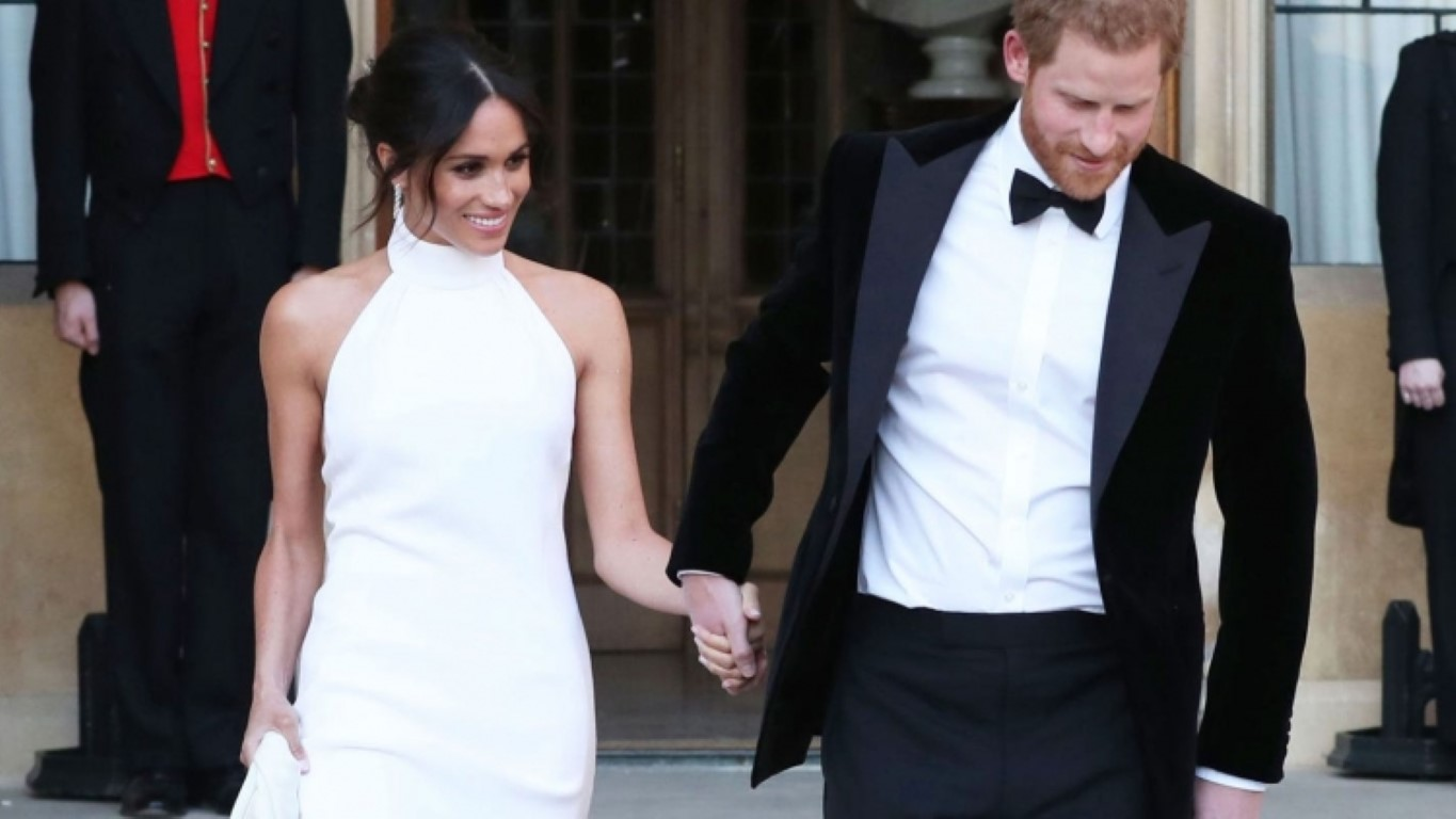 Stella Mccartney Told Me Why Megan Markle Chose Her Dress For The Wedding /></p> <p></p> <p style=