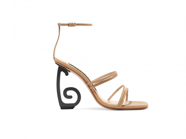 Thing Of The Day: Sandals Jacquemus /></p> <p></p> <p style=