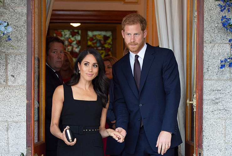 Elizabeth Ii Gave A Mansion To Prince Harry And Megan Markle /></p> <p></p> <p style=