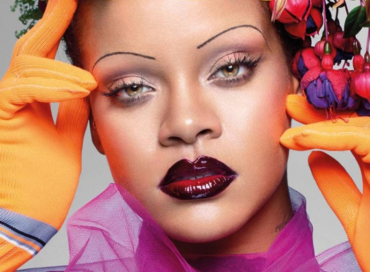 Rihanna With Eyebrows-Threads Became The Heroine Of The September Issue Of British Vogue /></p> <p></p> <p style=